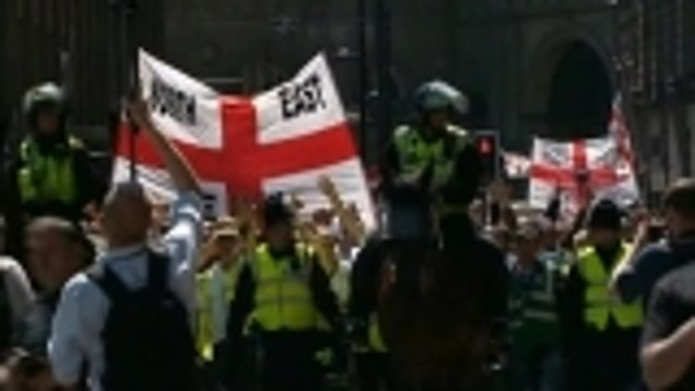 News video: Anti-Islamist English Defense League takes to streets of Newcastle